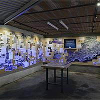 il dessine la carte d'un monde invisible - Garage du MEN