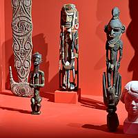 FACES - Face à face avec des figures d'ancêtres.